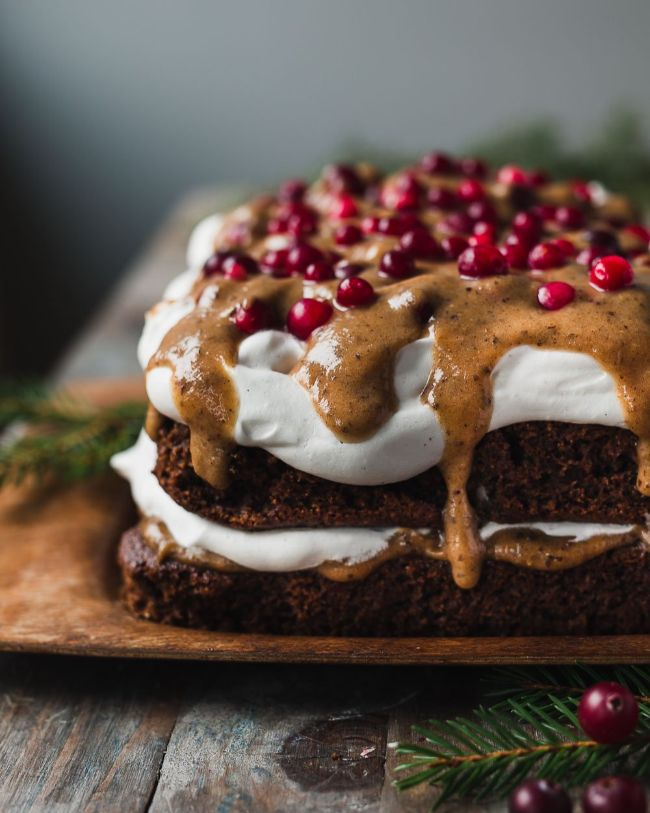 Chocolate Cake with Gingerbread Caramel