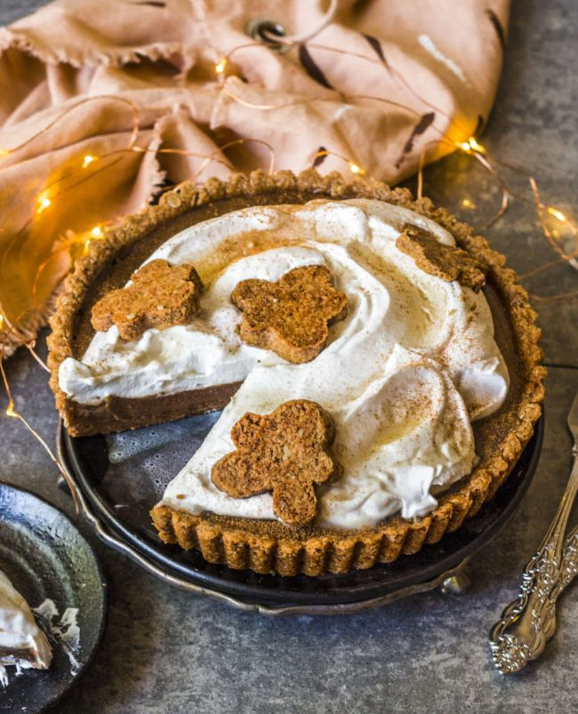 Gingerbread Caramel Pie