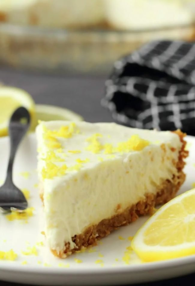 Lemon Pie with Ginger Cookie Crust