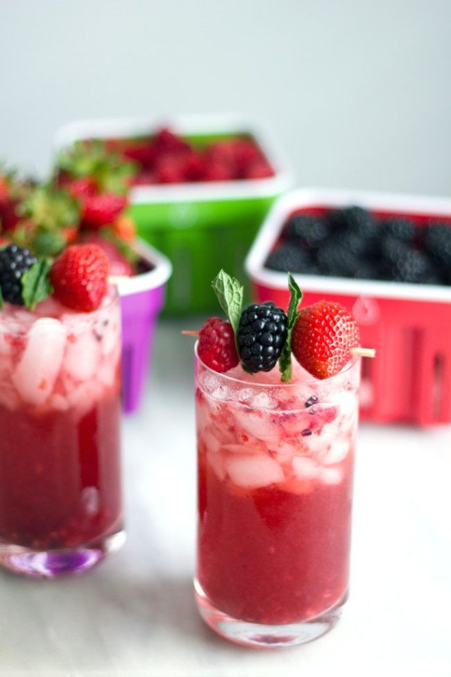 Berry Mint Gin Smash