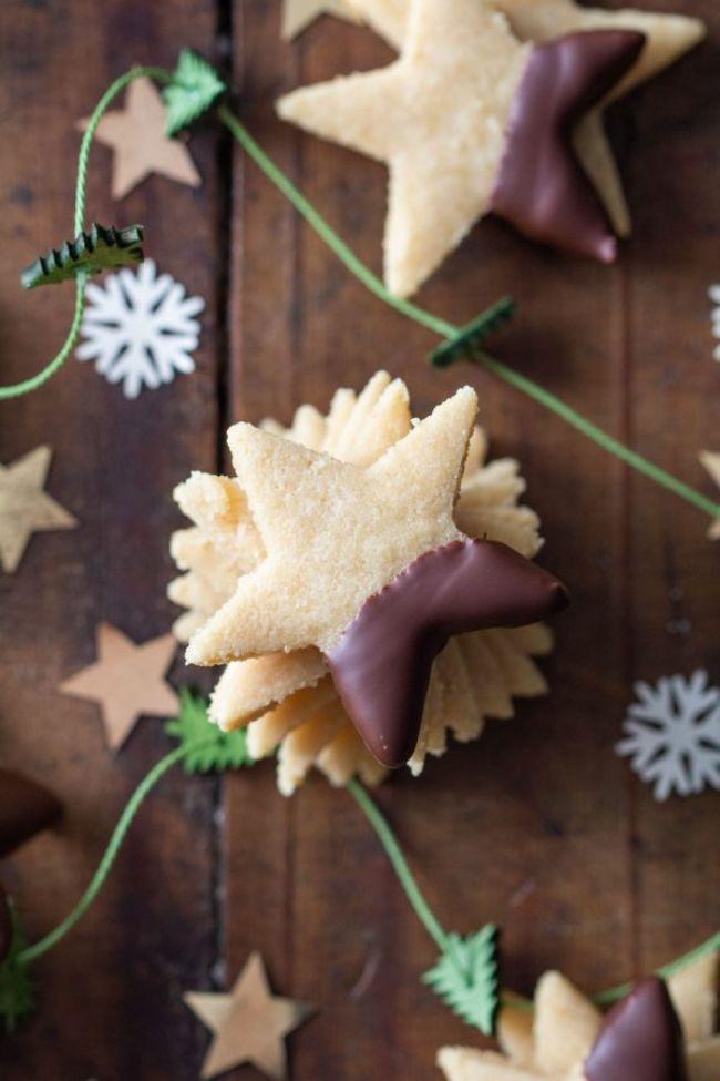 2-ingredient Almond Cookies