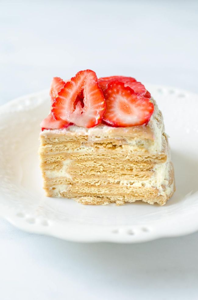 Carlota de Limon (key lime ice box cake)