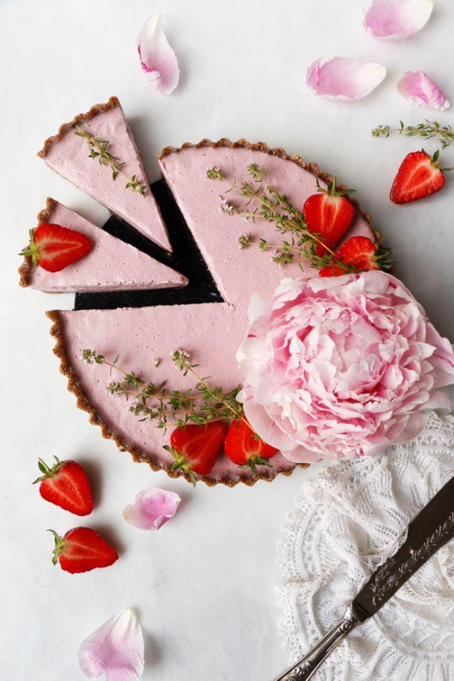 Raw Strawberry Tart