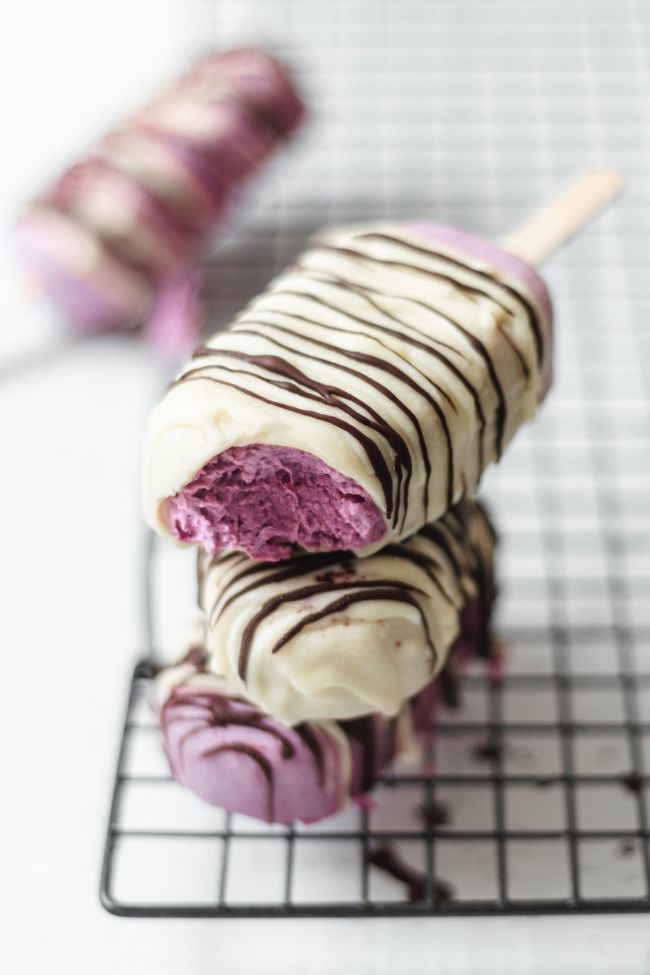 Blackberry White Chocolate Magnums